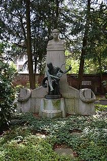 Frankfurt, Hauptfriedhof, Grab Joachim Raff.JPG