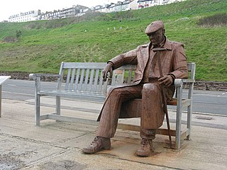 <i>Freddie Gilroy and the Belsen Stragglers</i> Statue in Scarborough, England