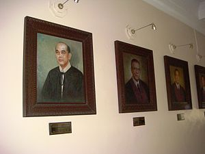 Fred Ruiz Castro - Official portrait of CJ Fred Ruiz Castro and other Chief Justices, SC building