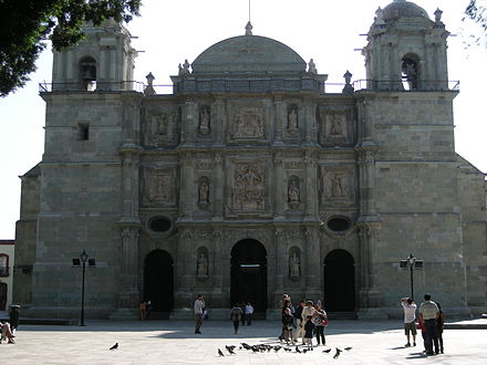 Cathedral of Our Lady of the Assumption the motherchurch of the Oaxacan Archdiocese FrontOaxacaMainCathedral.jpg