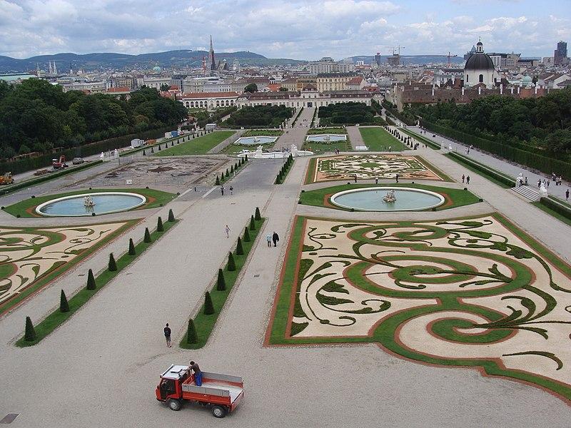 File:Garden of Belvedere - panoramio.jpg