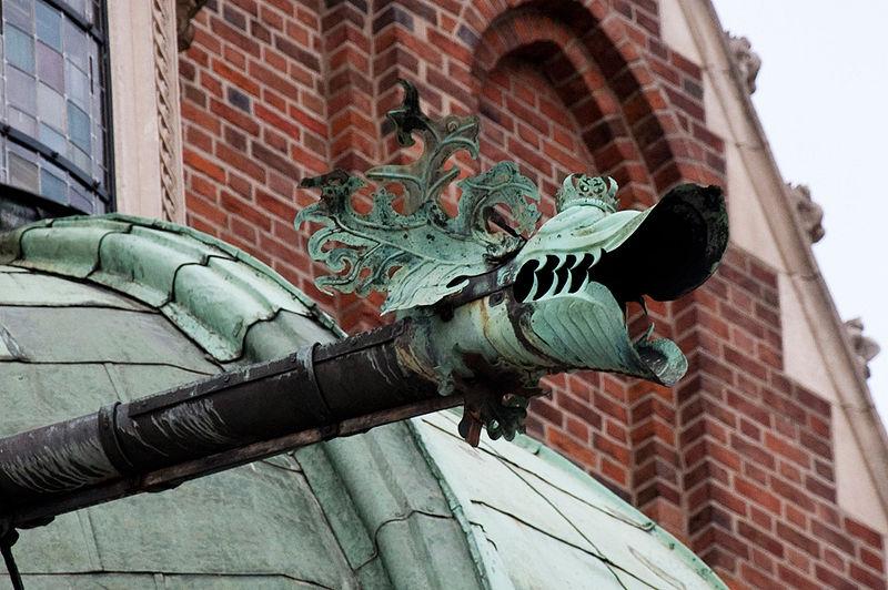 [Obrazek: 800px-Gargoyle_Wawel_Cathedral_01_AB.jpg]
