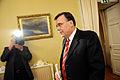 Geir H. Haarde statsminister Island anlander till pressmote om finanskrisen pa Island. Nordiska radets session i Helsingfors 2008-10-27.jpg