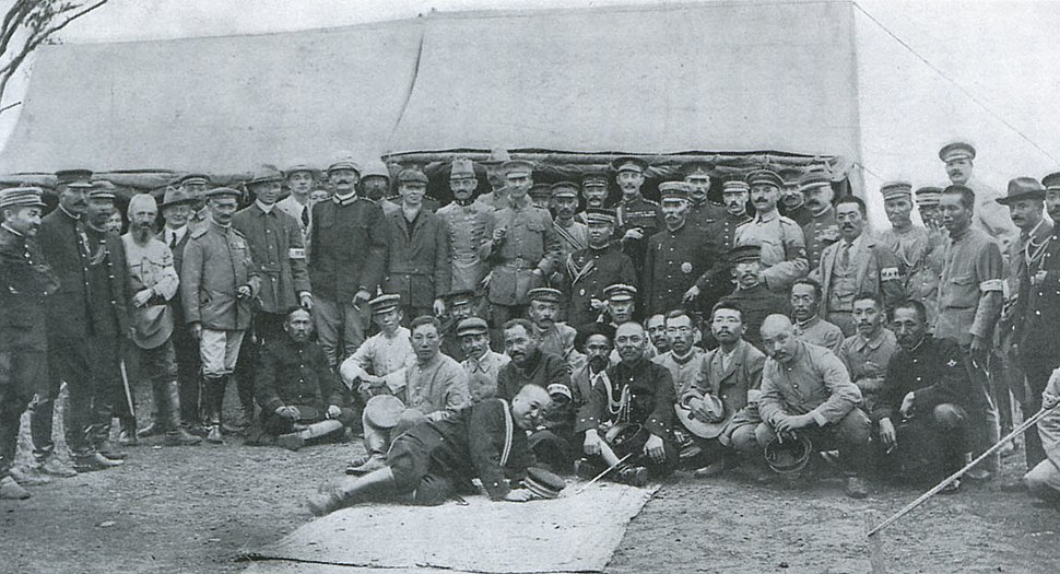 General Kuroki and his Staffs, Foreign Officiers and Correspondents