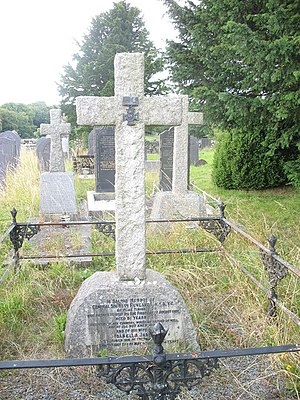 Hugh Rowlands - Sir Hugh Rowland's grave in Llanrug