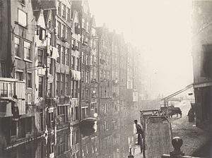 George Hendrik Breitner - Oudezijds Achterburgwal, Amsterdam (c. 1890–1900), photograph, 30 x 35 cm, Rijksmuseum, Amsterdam