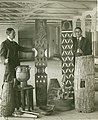 Gerhard Lindblom (t v) och Gustaf Bolinder (t h) förbereder utställning av västafrikanska föremål i Stockholm 1931. Bild-1931.13.a.jpg