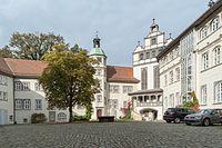 Gifhorn Schlosshof-01.jpg