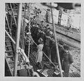 Glückwünsche der Heimat (Weitere U-Boote machen fest) (7129729771).jpg