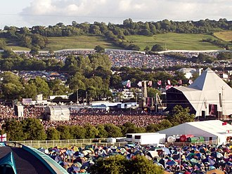 The Pyramid Stage Glastofriday2003.jpg