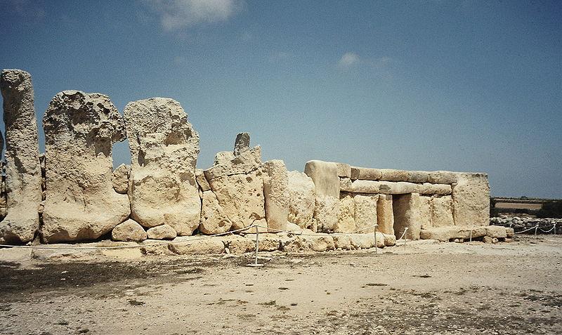 Malta  800px-Hagar_Quim_II