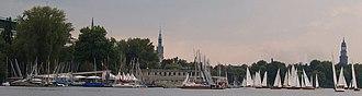 Hamburger Segel-Club - View of the Hamburger Sailing Club (HSC) right before the start of a regatta.