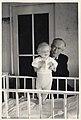 Hans Michal mit Enkelkind.jpg