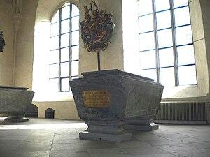 Hedvig Taube - Hedwig Taube von Hessenstein's grave at Strängnäs Cathedral