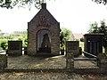 Heeswijk (Bernheze) oorlogsmonument bij centrum, kapel.JPG