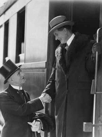 Jacques Feyder - Henry Roussel and Albert Préjean (right) in Les Nouveaux Messieurs (1929)