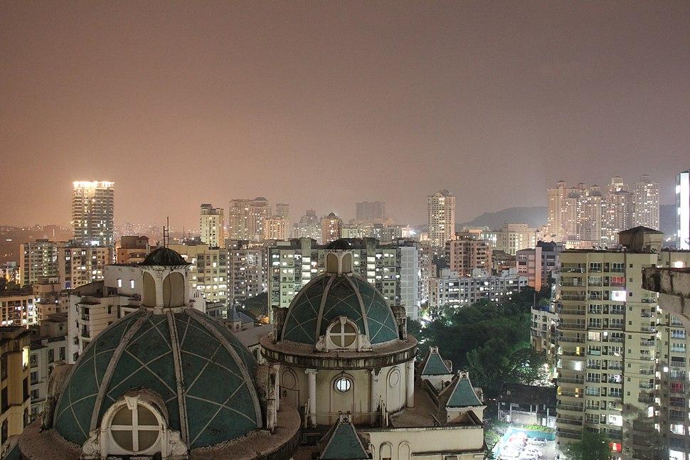 Hiranandani Gardens skyline