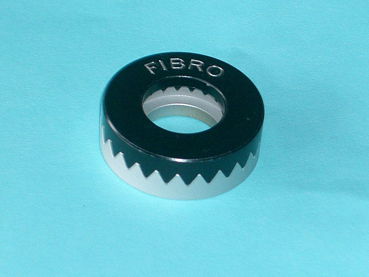 Ring With Joint Hilder