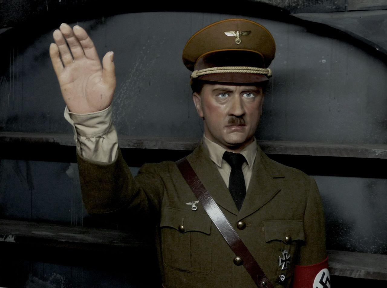 Hitler - RLWMV (5034895957).jpg