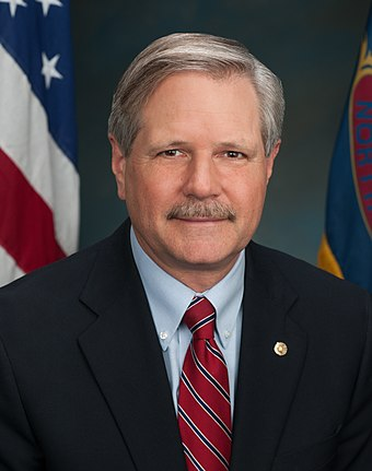 North Dakota Senator John Hoeven (R) Hoeven Official Portrait 2014.JPG