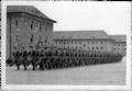 Hohenfriedberg-Kaserne-Stechschritt-1937.png