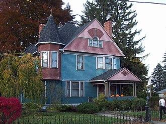 Mount Morris (village), New York - Image: House at No 30 Murray Street Oct 09