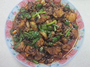 Hunan cuisine, stir-fried diced chicken with green pepper