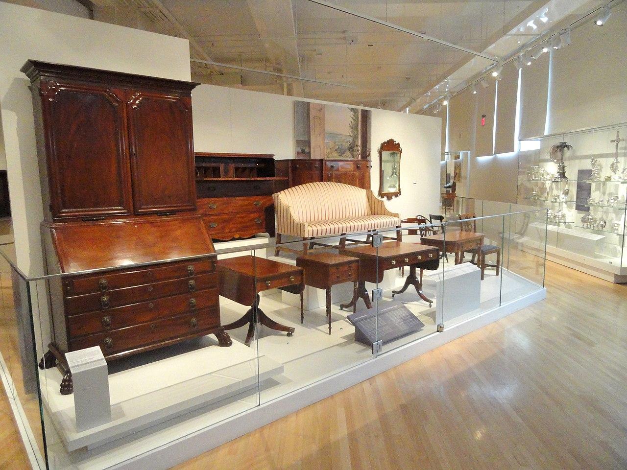 File:Interior View, Canadian Furniture   Royal Ontario Museum   DSC00269.JPG
