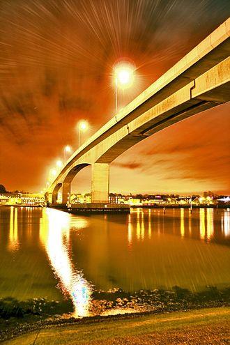 Itchen Bridge - Image: Itchen Bridge in 2007 HDR