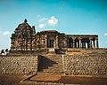 Jain Temple Lakkundi Karnataka.jpg