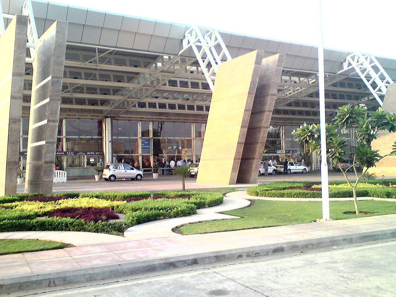 busiest airports in india,busiest airports in  the india,busiest airports of india, list of busiest airports in india,busiest international  airports in india,top 10 busiest airports in india, top 20busiest airports in india,top 5 busiest airports in india,first busiest airports in india,busiest airports in india 2020, busiest airports in india by passenger traffic busiest airports in the india,