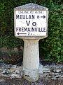 Jambville (78), cube Michelin, rue des Tilleuls 1.jpg