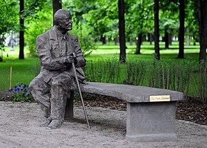 Jan Nowak-Jeziorański - Monument to Jan Nowak-Jeziorański in Warsaw (bronze), sculptor: Wojciech Gryniewicz