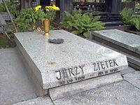 Jerzy Ziętek nagrobek.jpg