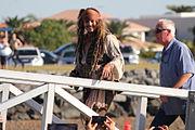 Johnny Depp dans son costume de Jack Sparrow, lors du tournage du film en juin 2015.