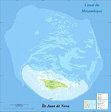 Una mappa in francese dell'isola Juan de Nova e dei suoi scogli.