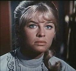 Julie Christie in Doctor Zhivago 5.jpg