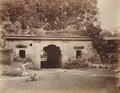 KITLV 92058 - Unknown - Gateway to the fort at Seringapatam in India - Around 1870.tif