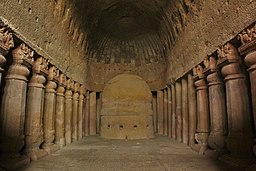 Kanheri Caves prayer hall.JPG
