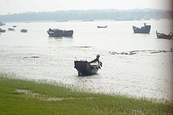 Karnaphuli River from BNA road (02).jpg