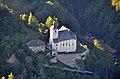Kath. Pfarrkirche hl. Jakob der Ältere und Friedhof, Luftbild.JPG