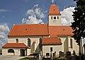Kath. Pfarrkirche hl. Martin und Friedhof in Neukirchen.jpg