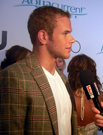 "With Love (Hilary Duff song) - Kellan Lutz is Duff's love interest in the music video for ""With Love""."