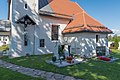 Klagenfurt Hoertendorf Pfarrkirche hl Jakobus major Kruzifix und Sakristei 21092015 7648.jpg