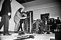 Klaverilõhkumise performance Tallinna Kunstihoones 89 (11).jpg