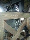 Restanten van de eikenhouten klokkenstoel in de toren van de Martinuskerk