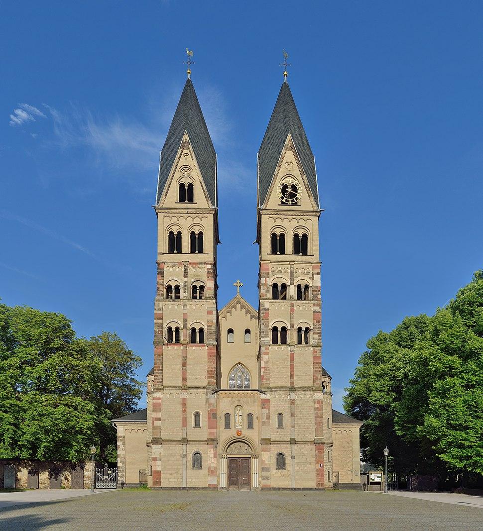 Koblenz - Basilika St. Kastor Westfassade