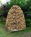 Kosova Hora, kupka dřeva (03).jpg