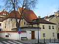 Kostel sv Vavrince v Hellichove ulici.jpg