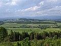 Kozinec - rozhledna u Vidochova - výhledy k severu (Krkonoše a jejich podhůří) (2).jpg